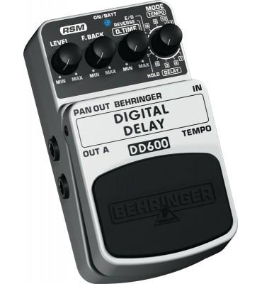 Behringer DD600 Digital Delay effetto a pedale per chitarra